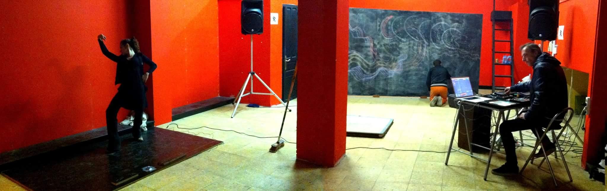 Imprografía Alfredo santos (Un local en rojo)